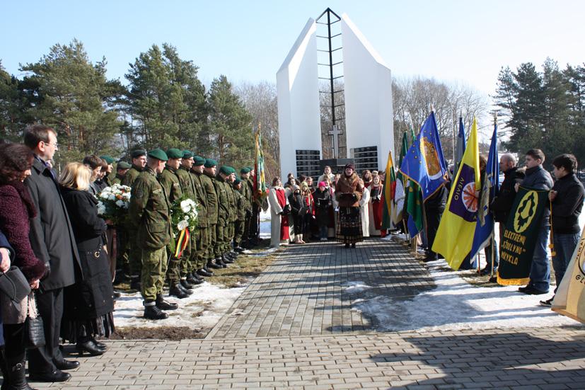 Reportažas apie Lietuvos Nepriklausomybės atkūrimo dvidešimtmečio šventę Elektrėnuose