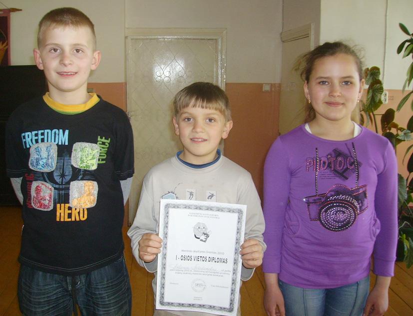 """""""Meninio skaitymo šventė 2010"""" Semeliškių vidurinėje mokykloje"""