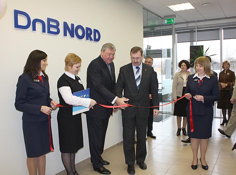 DnB Bankas žengia į penkiasdešimtmetį mininčius  Elektrėnus