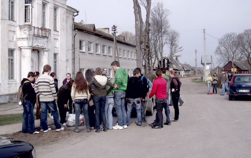 "Akcija ""Darom 2010"" Semeliškėse"