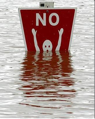 Būkite atsargūs vandenyje!