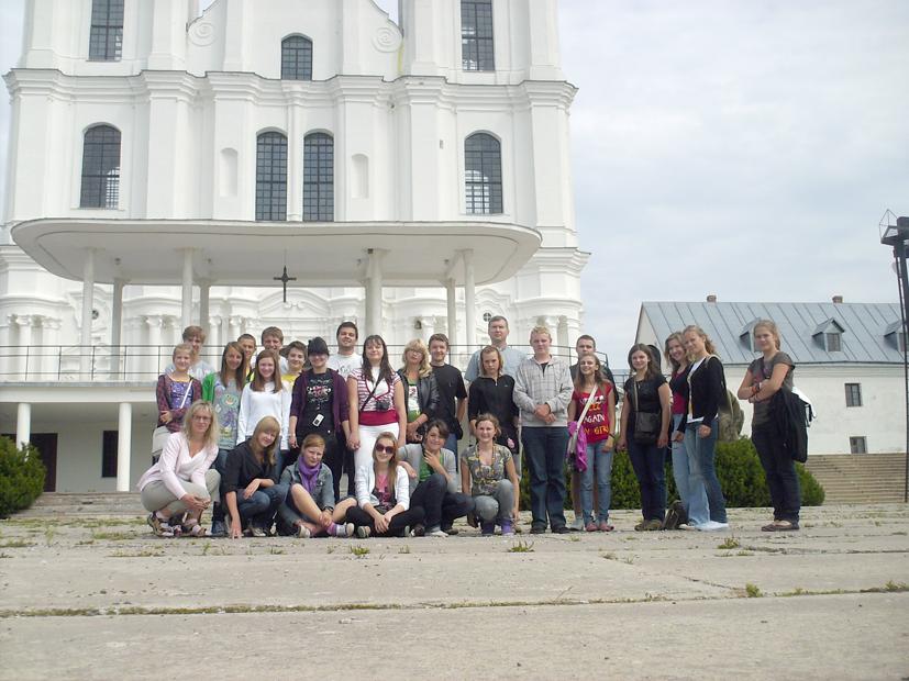 Jaunimą bažnyčios pusėn patraukia įdomi veikla