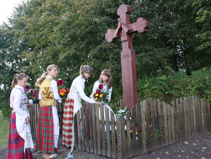 Kaimo šventei subūrė kryžius