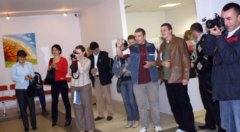 Rumunijos delegacija  semiasi patirties Elektrėnų viešojoje bibliotekoje