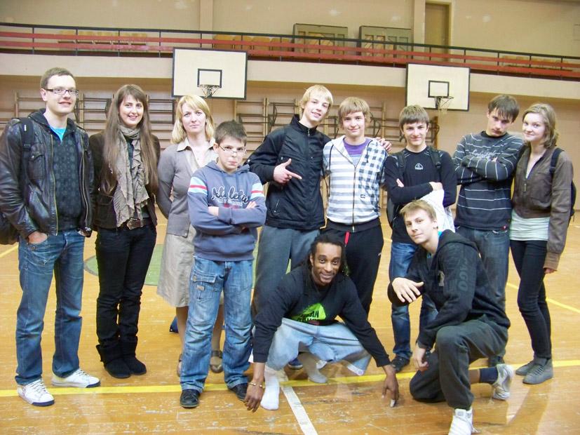 Hip-hop šokių pamokos  VšĮ Elektrėnų profesinio mokymo centre