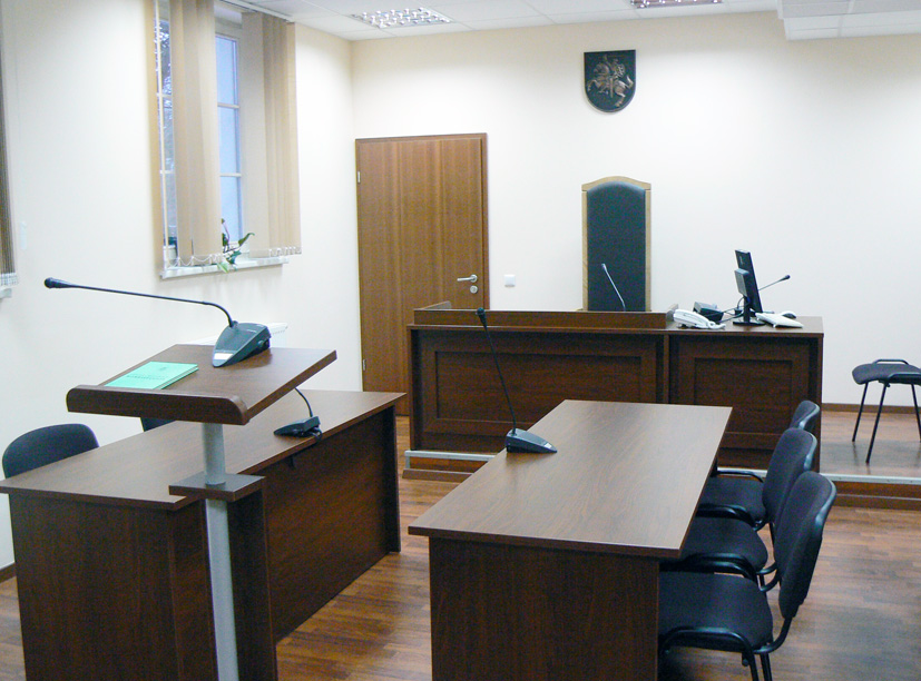 Trakų teismas nubaudė leistiną greitį viršijusį Seimo narį