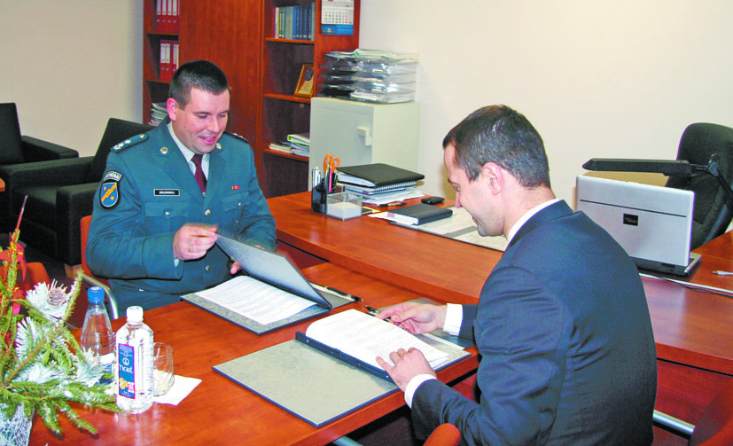 """Pasirašyta """"Lietuvos energijos"""" ir Elektrėnų policijos komisariato bendradarbiavimo sutartis"""