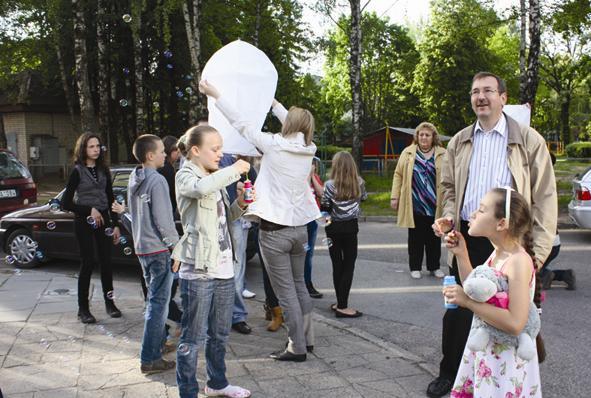 Lietuvos socialdemokratų partijos Elektrėnų skyrius vaikams bei tėčiams dovanojo džiugių akimirkų