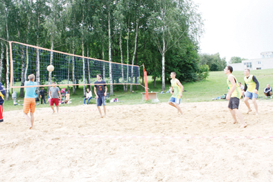 Parko tinklinio turnyras paplūdimyje