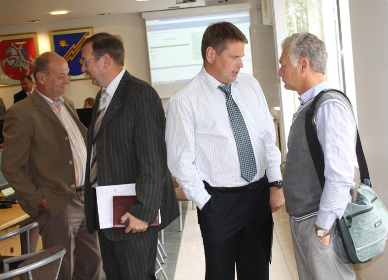 Savivaldybės tarybos posėdyje: Petvarkoms prašė Dievo pagalbos