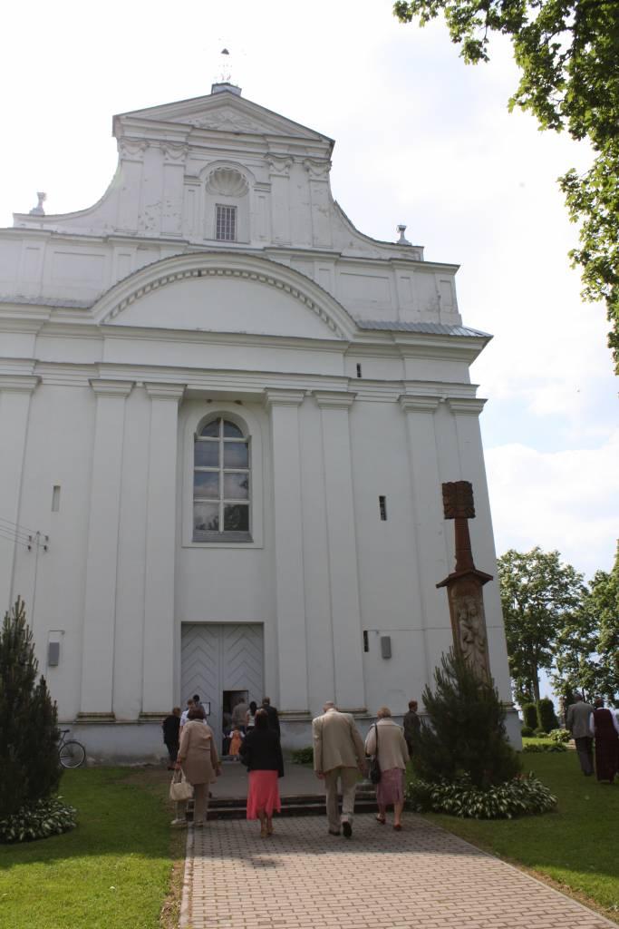 Vievio ir Kazokiškių šventovės istorijos puslapiuose