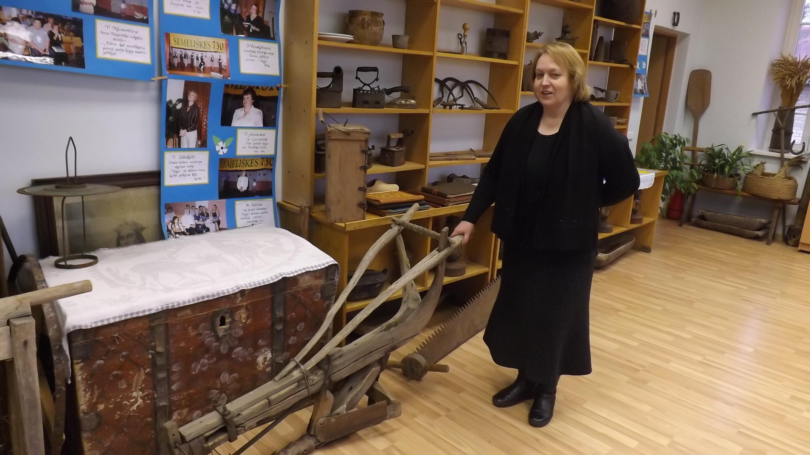 Semeliškių gimnazijos etnografinis muziejus