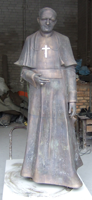 Vievį saugos šventojo skulptūra