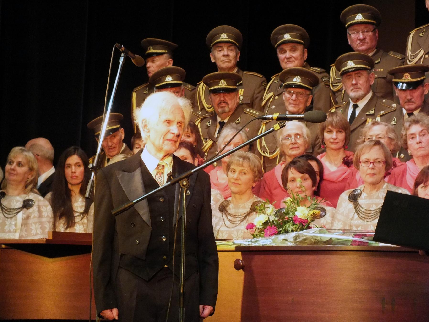 Žymaus Lietuvos choro dirigento Juozo Vanago kūrybinės veiklos bruožai