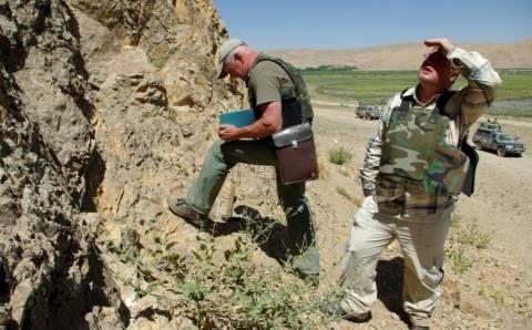 Ką veikia geologai?
