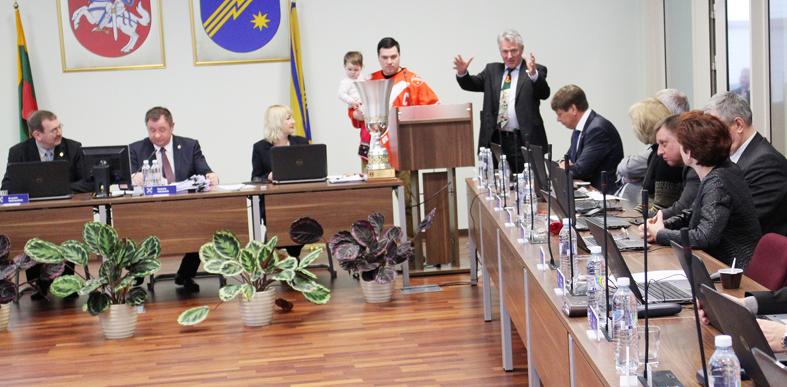 Naujienos iš savivaldybės tarybos posėdžio. Demokratėjimas