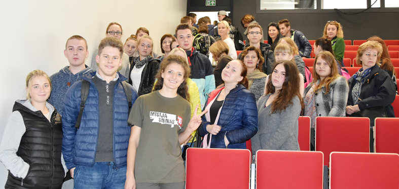 """VšĮ Elektrėnų profesinio mokymo centre lankėsi  """"Misija Sibiras'16"""" dalyvė Karolina"""