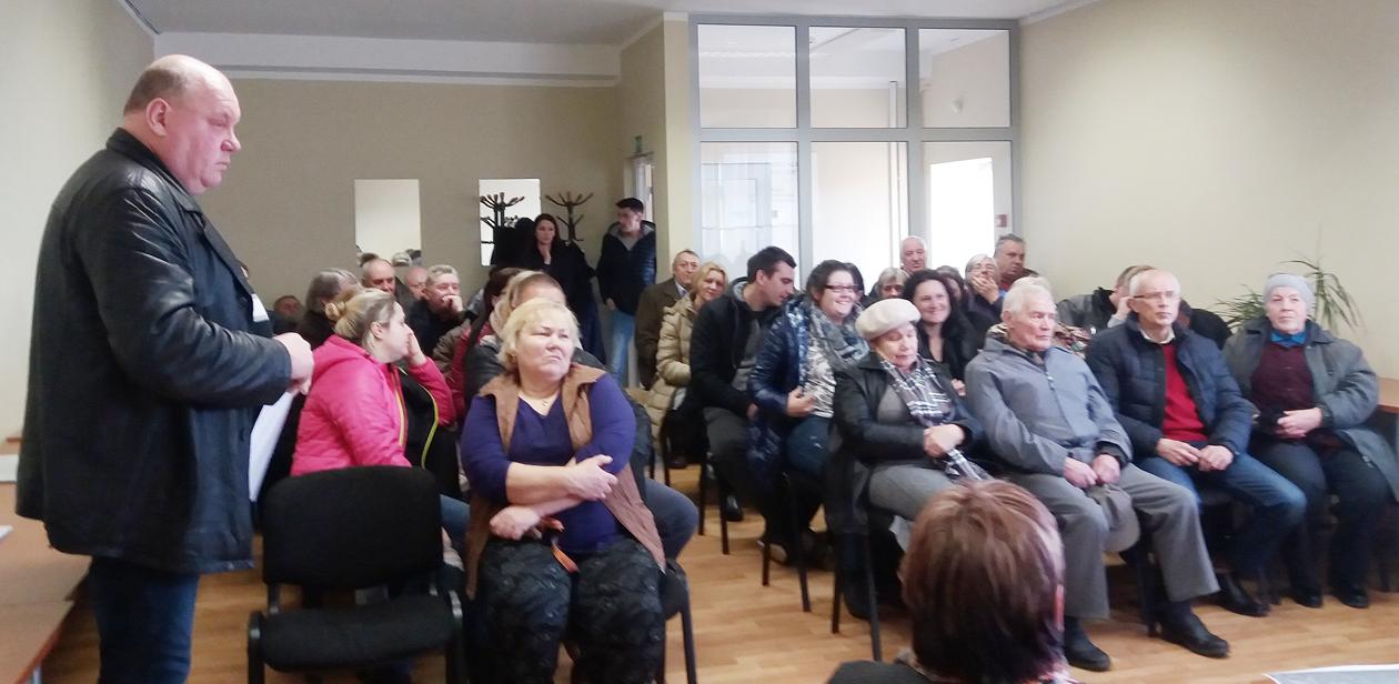 Pakalniškių kaimo bendruomenės ,,Jorė'' susirinkimas su valdžios atstovais
