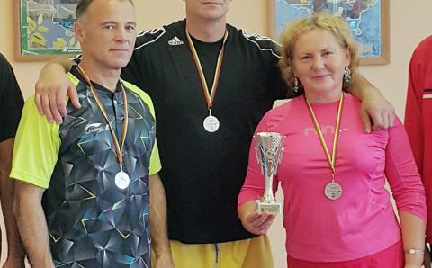 Elektrėnų seniūnijos sportininkų delegacija Jonavoje
