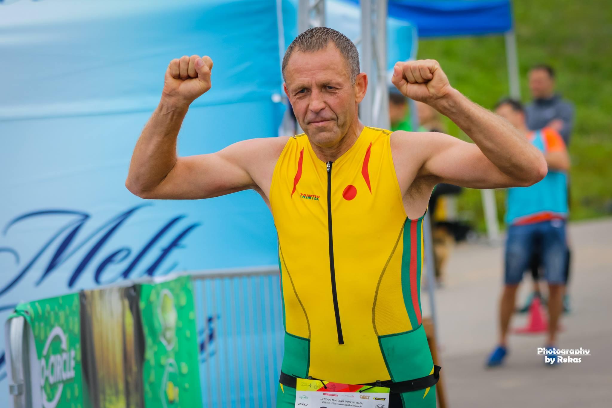 Olimpinę triatlono distanciją įveikė elektrėniškiai