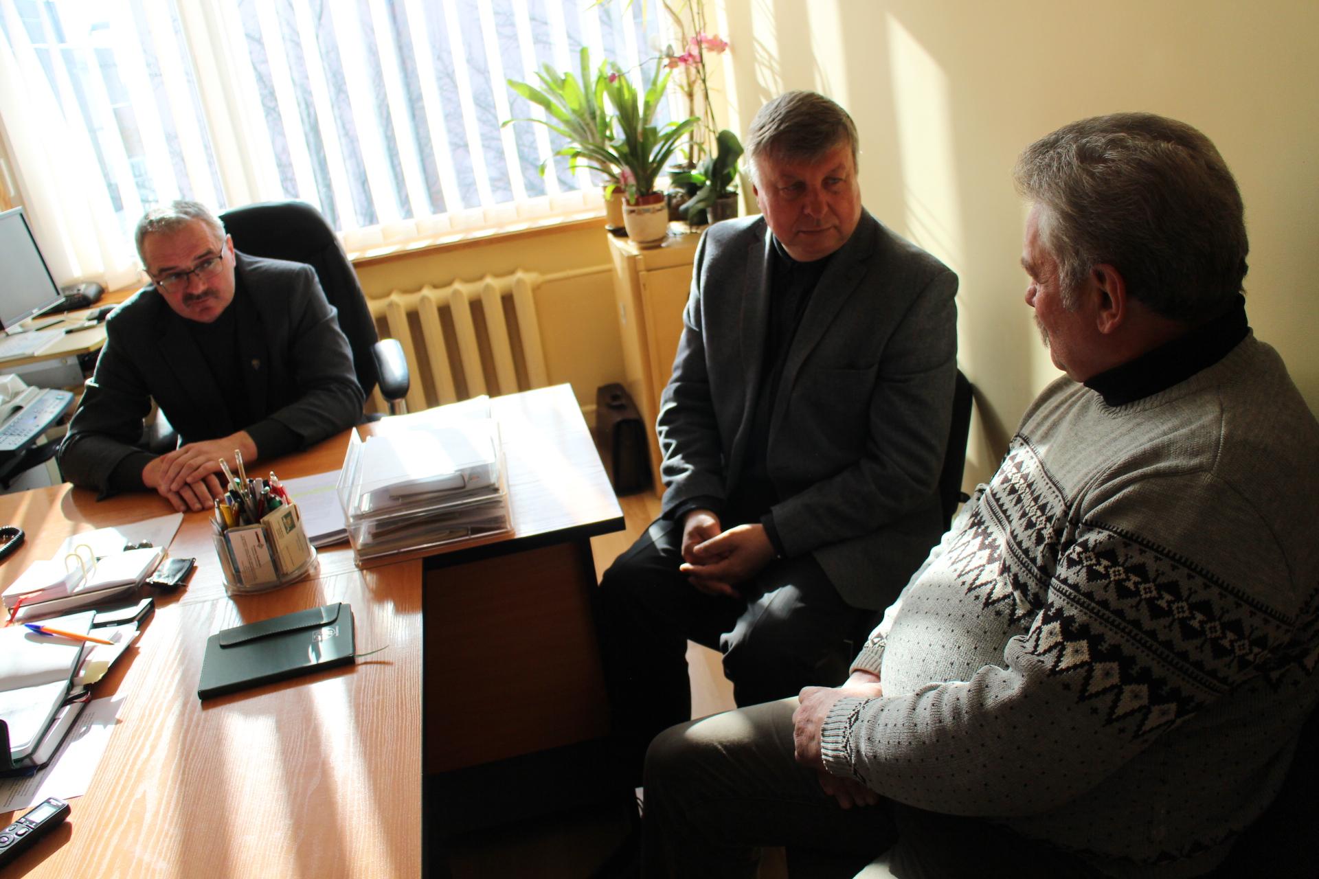 Vienmandatininko Seimo nario darbas: dalyvauti renginiuose ir padėti spręsti problemas