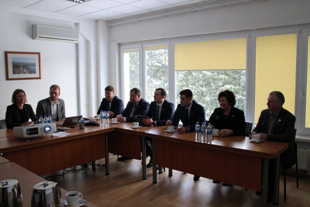 Ūkio ministro vizitas:  išardyti blokai ir robotai