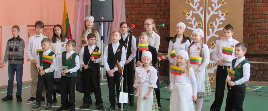 Pastrėviečiai nuotaikingai paminėjo Lietuvos 100-mečio jubiliejų