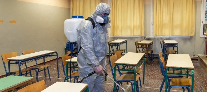 Koronavirusas įsisuko į savivaldybės mokyklas