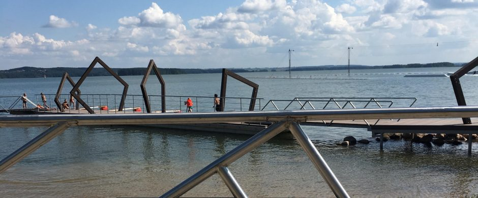 Elektrėnų paplūdimyje nelaimės ištiktuosius prie pontoninio tilto gelbėja tik angelas sargas