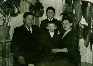 Boleslovas, Janina, brolis Boleslovas ir Tadas Šumskai, Vievis 1961m.