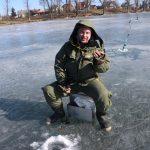 Žveją Juozą Urboną ir maža žuvelė nudžiugino