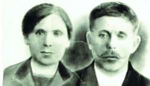 Močiutė Anna Buriak ir senelis Felčinskij Anton Ivanovič