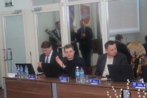 Iš kairės: Administracijos direktorius Virgilijus Pruskas, tarybos nariai - Dmitrij Burkoj, Gediminas Zagorskis ir Silva Lengvinienė