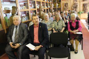 Į renginį susirinko literatai, knygos išleidimo rėmėjai, kiti poezijos mylėtojai