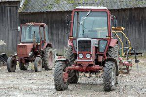 """Gavę """"Paramą smulkiesiems ūkiams"""" ūkininkai galės įsigyti ir statybines medžiagas, ir žemės ūkio techniką, o nuo šiemet – ir senesnius kaip 7-erių metų naudotus traktorius"""