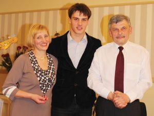 Lina ir Viktoras Valiušiai su sūnumi Ignu