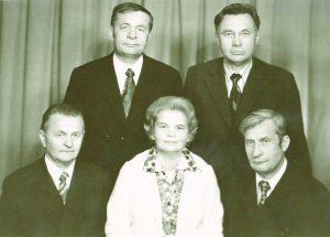 M.Valiušis su seserimi Tekle ir broliais Augustinu, Vladu ir Vincu