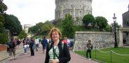 Roma Julija Važgėlienė prie Vindzoro pilies 2011 m. liepos mėn., COMENIUS kursai Oksforde
