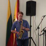 EMM ansambliui saksofonu pritarė VDU muzikos akademijos studentas Martynas Žilius
