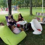 Elektrėnų viešoji biblioteka suteikė galimybę knygomis naudotis po atviru dangumi