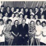 Po abitūros egzaminų vidurinėje mokykloje. V. Žeimantas stovi viršutinėje eilėje pirmas iš dešinės. 1962 metai