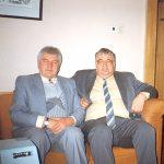 """Į """"Vakarinių naujienų"""" redakciją dažnai užsukdavo garsus disidentas Antanas Terleckas (dešinėje). 1995 metai"""