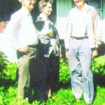 Gimtinėje. Su broliu Zigmu ir sese Genovaite