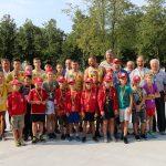 Bėgikus iš savivaldybės aikštės palydėjo gausus būrys valdžios atstovų ir sporto bendruomenės narių