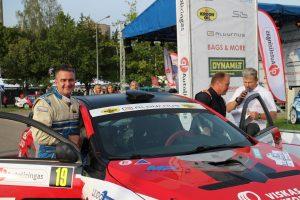 19-tu numeriu pažymėtą automobilį vairavęs E. Sladkevičius Lietuvos automobilių ralio IV etape buvo 19 -tas