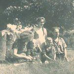 Albina ir Antanas Petrauskai su vaikais: Vanda, Zenonu ir Henriku