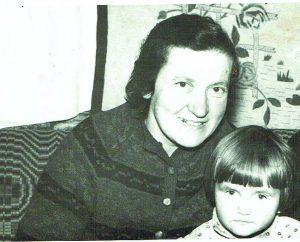 Janina Šumskienė su dukterėčia Daiva