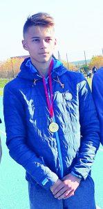 Vievio gimnazijos mokinys, Elektrėnų sav. sporto centro auklėtinis Augustas Šleinius