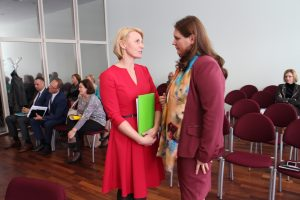 Savivaldybės kontrolierė D. Kliucevičienė darbiniais rūpesčiais dalinosi su  Vyriausybės atstove Vilniaus apskrityje Vida Vaičiūniene