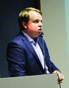 """UAB """"Želdynai"""" kraštovaizdžio architektas Vainius Pilkauskas pristatė keturias Elektrėnų marių pakrantės teritorijas, kurias numatoma sutvarkyti. Vienas didžiausių projektų - prie Vaikų sanatorijos esantis paplūdimys"""